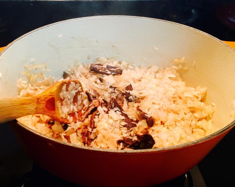 arroz fritando